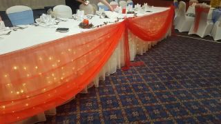 Red top table swag