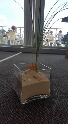 Beach centre piece with bear grass
